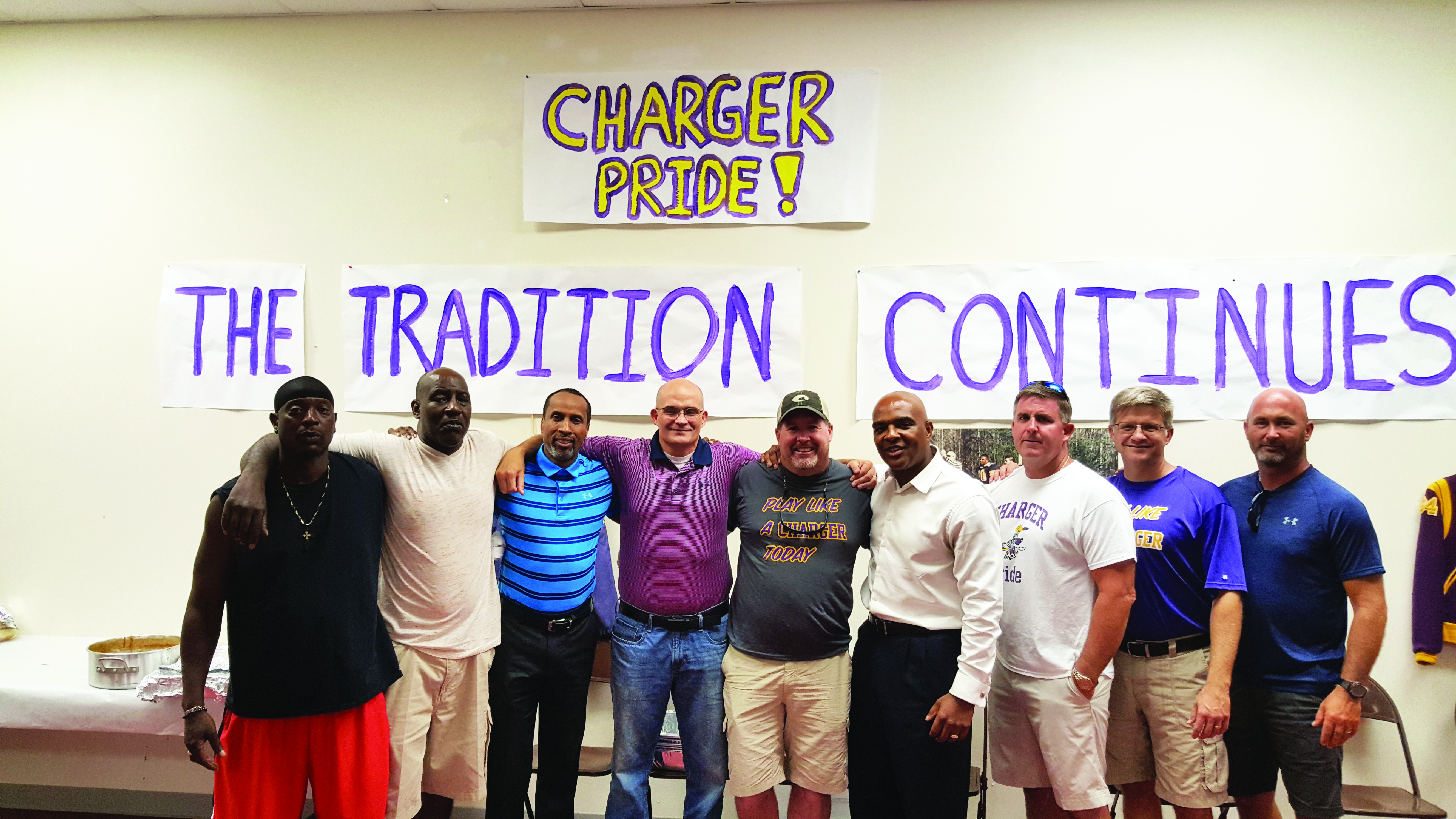 Charger Alumn host